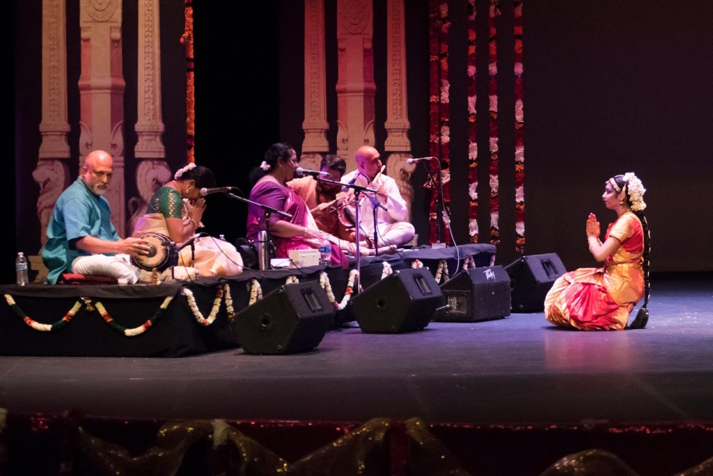 At the end of the performance, Nikita honored her Guru on stage, who bowed in return.